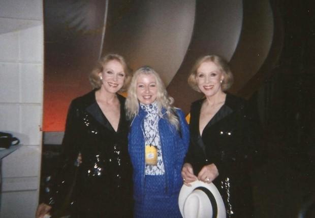 Mary con le gemelle Kessler